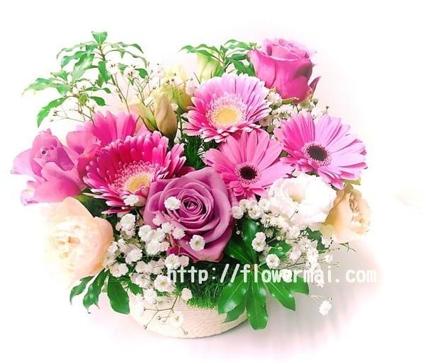 フラワーアレンジメント お誕生日に送る花です。フラワーアレンジスクール 大阪 神戸 芦屋